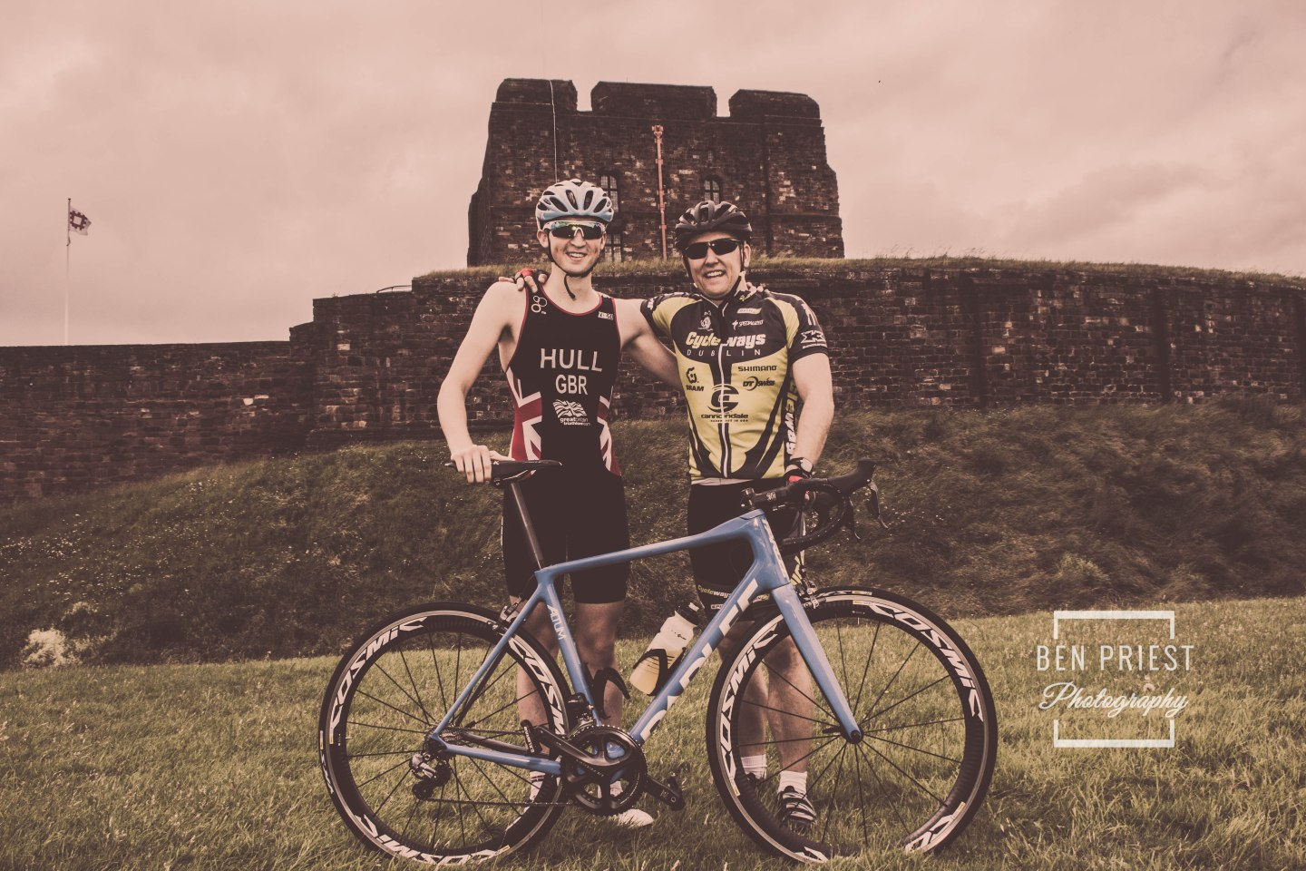Team GB Triathlete – Jordan Hull – Cumbrian Ambassador for the World Health Innovation Summit, with Gareth Presch no.10